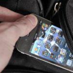 В каком порядке действовать, если в школе у ребенка украли телефон